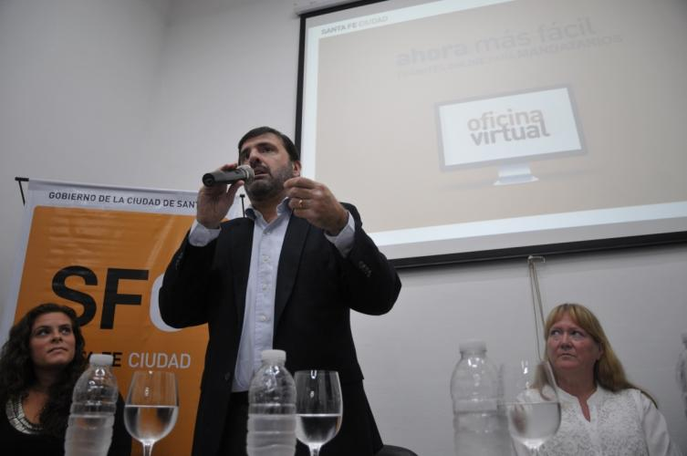 La oficina virtual del municipio suma tr mites para for Oficina virtual de facenda