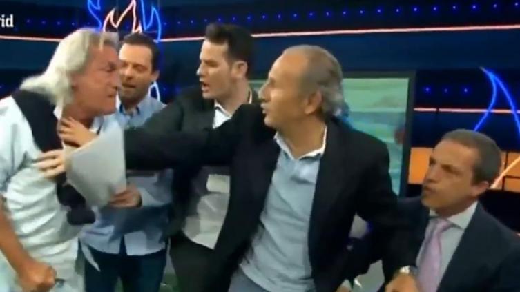 Pelea en directo en programa de fútbol en España