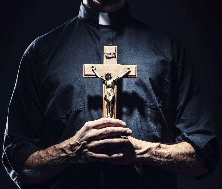 Tras el escándalo, Monte Vera tiene un nuevo sacerdote