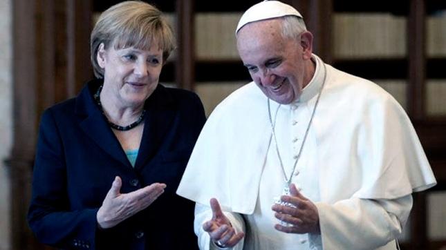 Merkel se reune con el Papa Francisco