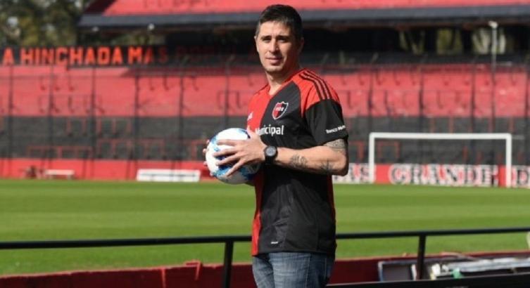 El quinto elemento: firmó el mendocino Ibáñez con Newell´s