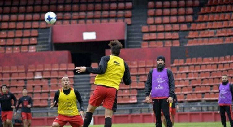 Colón se pone a prueba ante Arsenal de Viale