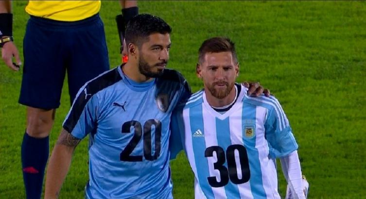 Luis Suárez va desde el arranque contra Argentina