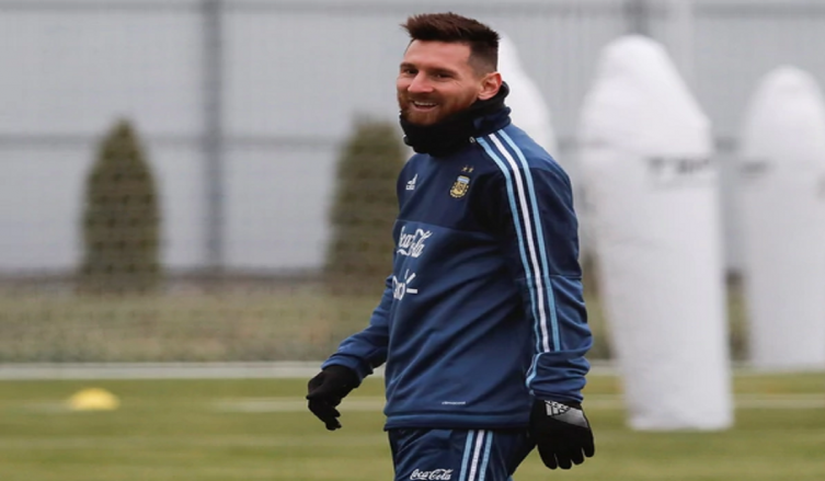 No me gustaría jugar con España — Messi