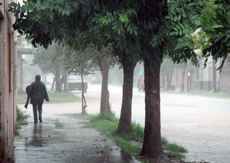 Severas tormentas, cuidado con las actividades al aire libre — Colón