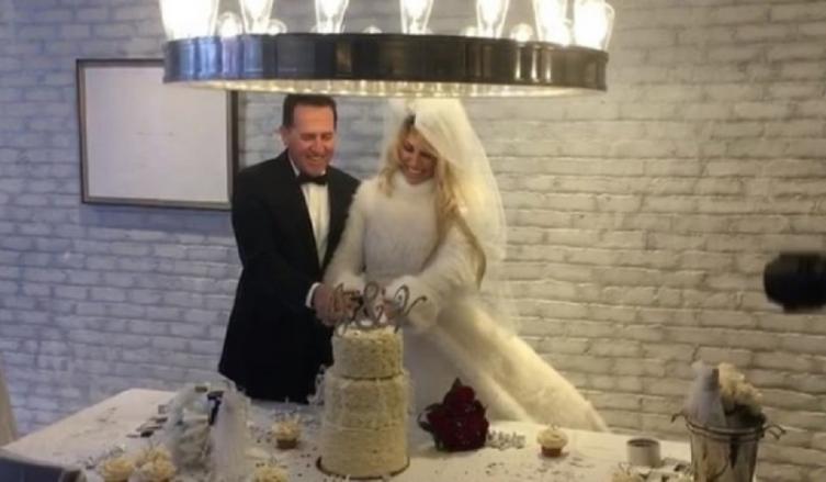 La boda de Vicky Xipolitakis — Confite millonario