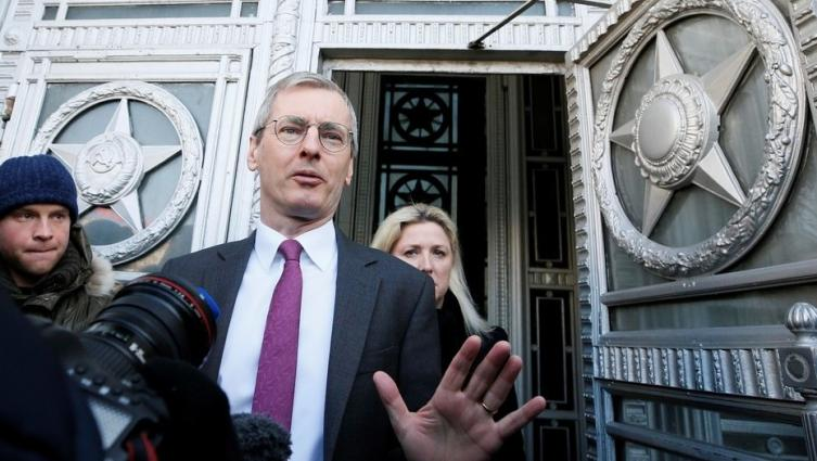 Londres expulsa a 23 diplomáticos rusos por caso de ex espía envenenado