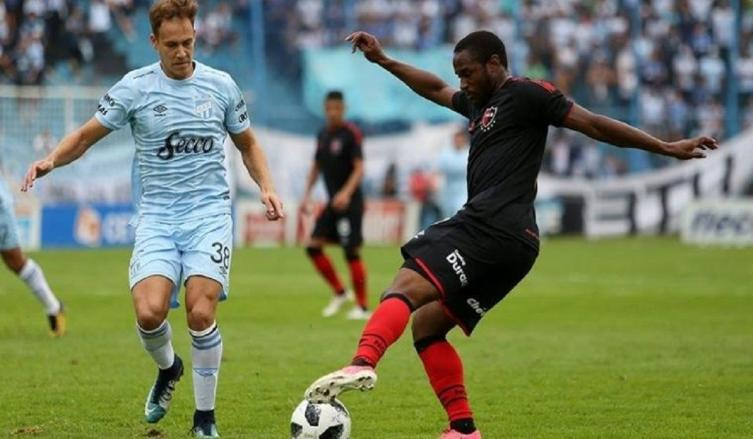 Newell's sufrió una dura derrota en Brasil — Copa Sudamericana