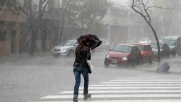Jueves de lluvia, descenso de temperatura y tormentas fuertes