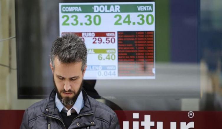 Ya no corre pero camina: el dólar subió otros 10 centavos