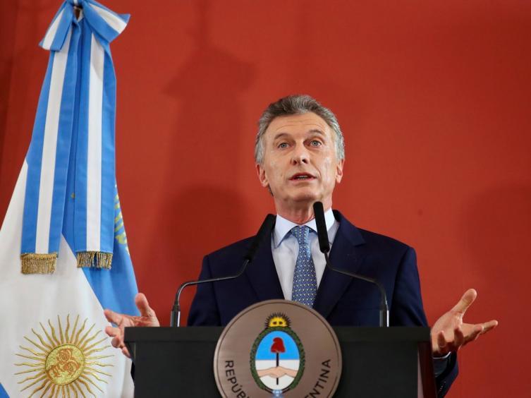 La pobreza en Argentina subio a 27,3% y Macri augura meses dificiles