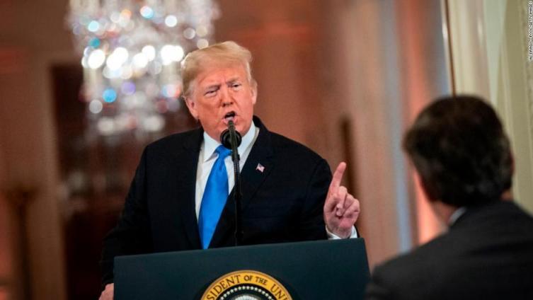 Casa Blanca volvería a retirar credencial a periodista de CNN