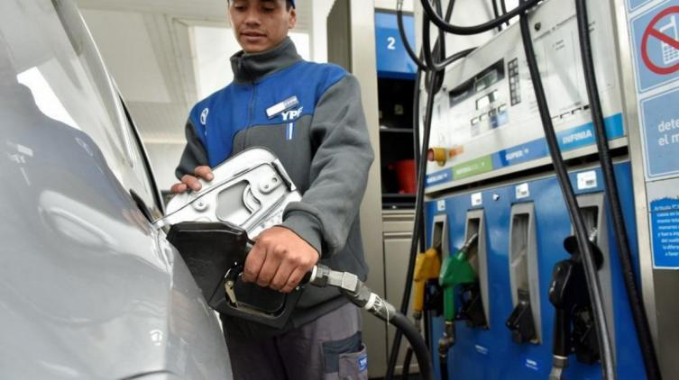YPF baja hasta 1,5% sus naftas y aumenta 3% el gasoil