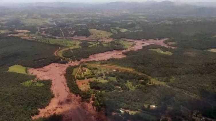 Hay 93 desaparecidos tras dos meses de colapso de presa en Brasil