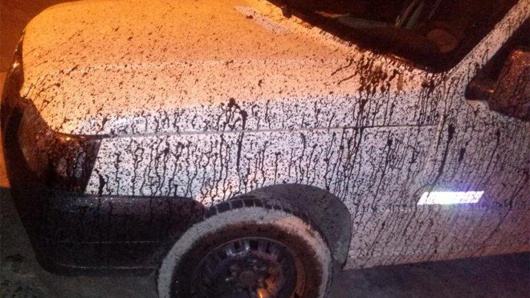 Un camión derramó brea sobre más de 30 autos en la General Paz y Autopista del Oeste