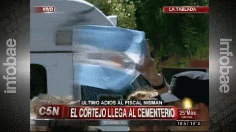 El lugar donde fue enterrado el fiscal Nisman descarta la hipótesis del suicidio